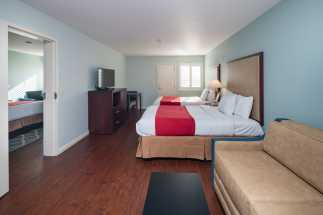 Morro Shores Inn Guest Rooms - Two Double Beds Master Suite