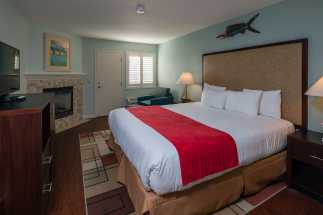 Morro Shores Inn Guest Rooms - King with Fireplace Suite