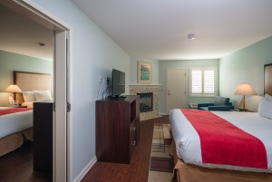 Luxury Suite - 1 King, 2 Queen Beds, Sofabed, Fireplace, Spa