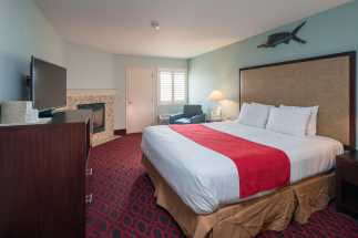 Morro Shores Inn Guest Rooms - All rooms feature flatscreen TVs
