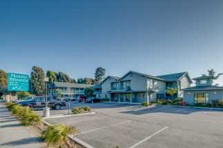 Morro Shores Inn & Suites - Free and ample parking at Morro Shores Inn