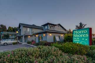 Morro Shores Inn & Suites - Morro Shores Inn at dusk