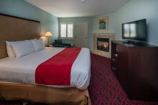 Morro Shores Inn Guest Rooms - King with Fireplace