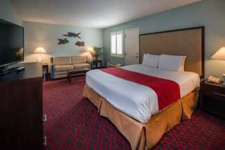Morro Shores Inn Guest Rooms - King Suite