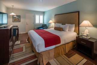 Morro Shores Inn Guest Rooms - King Standard